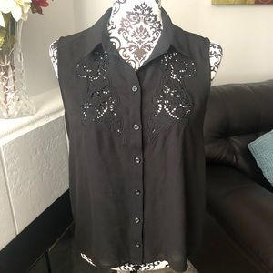 Black Sleeveless Hi-Lo Blouse by Forever21